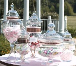 apothecary-jars-candy-buffet-jars